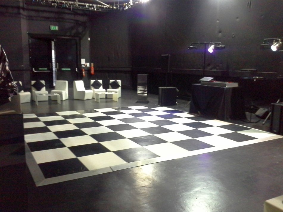 The worx black room
