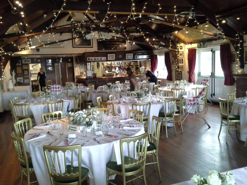 Lovely Wedding Of Lizzie And Jamie Completebliss